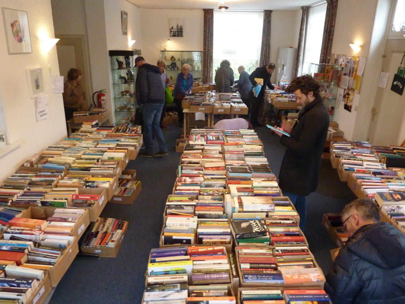 Boekenmarkt in De Ontmoeting